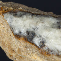 metacinnabarit, kalcit